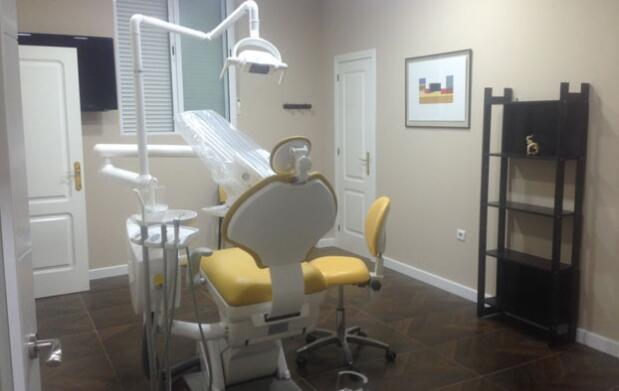 Limpieza dental indolora, en Cáceres