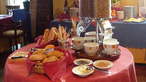 Estancia en habitación doble con desayuno buffet, acceso a Spa y minibar de bienvenida