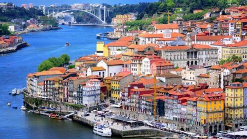 Oporto: 2 o 3 Noches en Bessa Hotel 4*+ AD